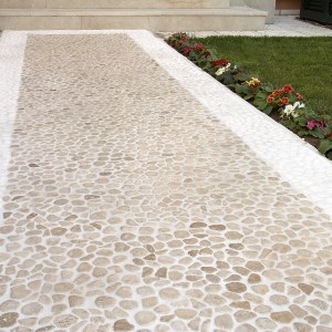 Aegean Pebbles Beige Travertine & Lymra